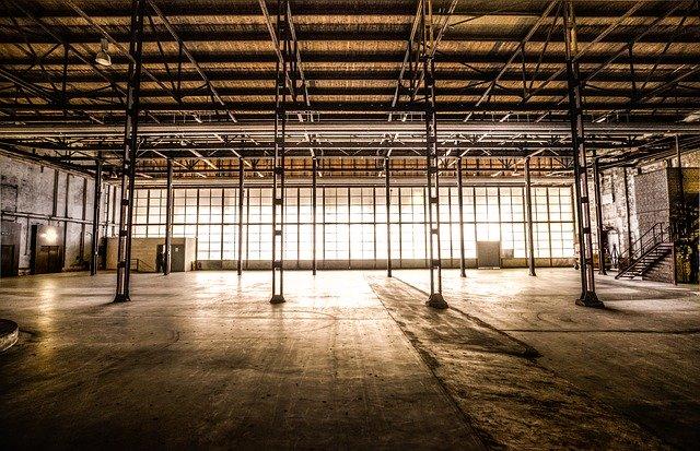 stalowa hala przemysłowa